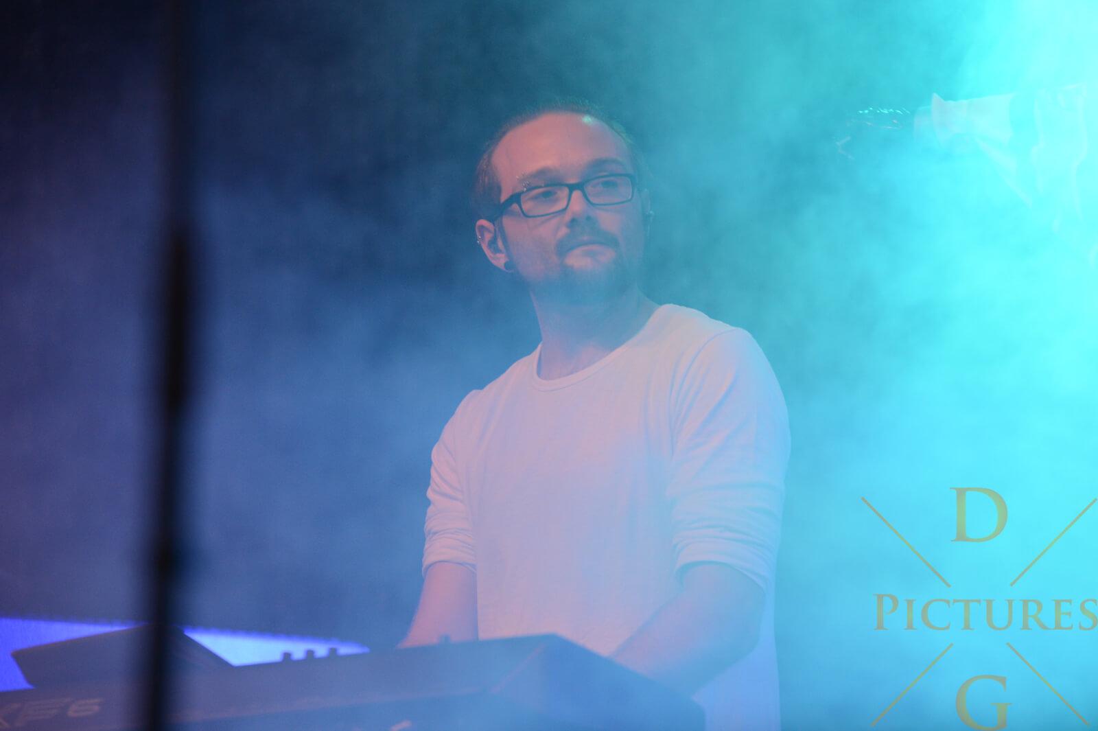 Matthias Fremel Keyboard Cracked Fire Band