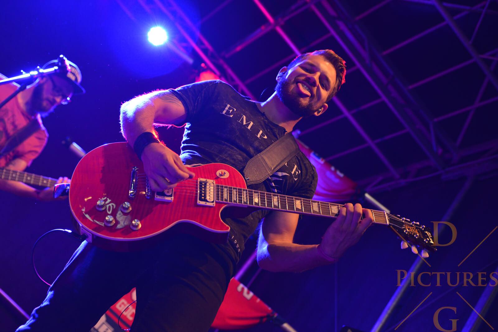 Patrick Vetter Gitarre Cracked Fire Band